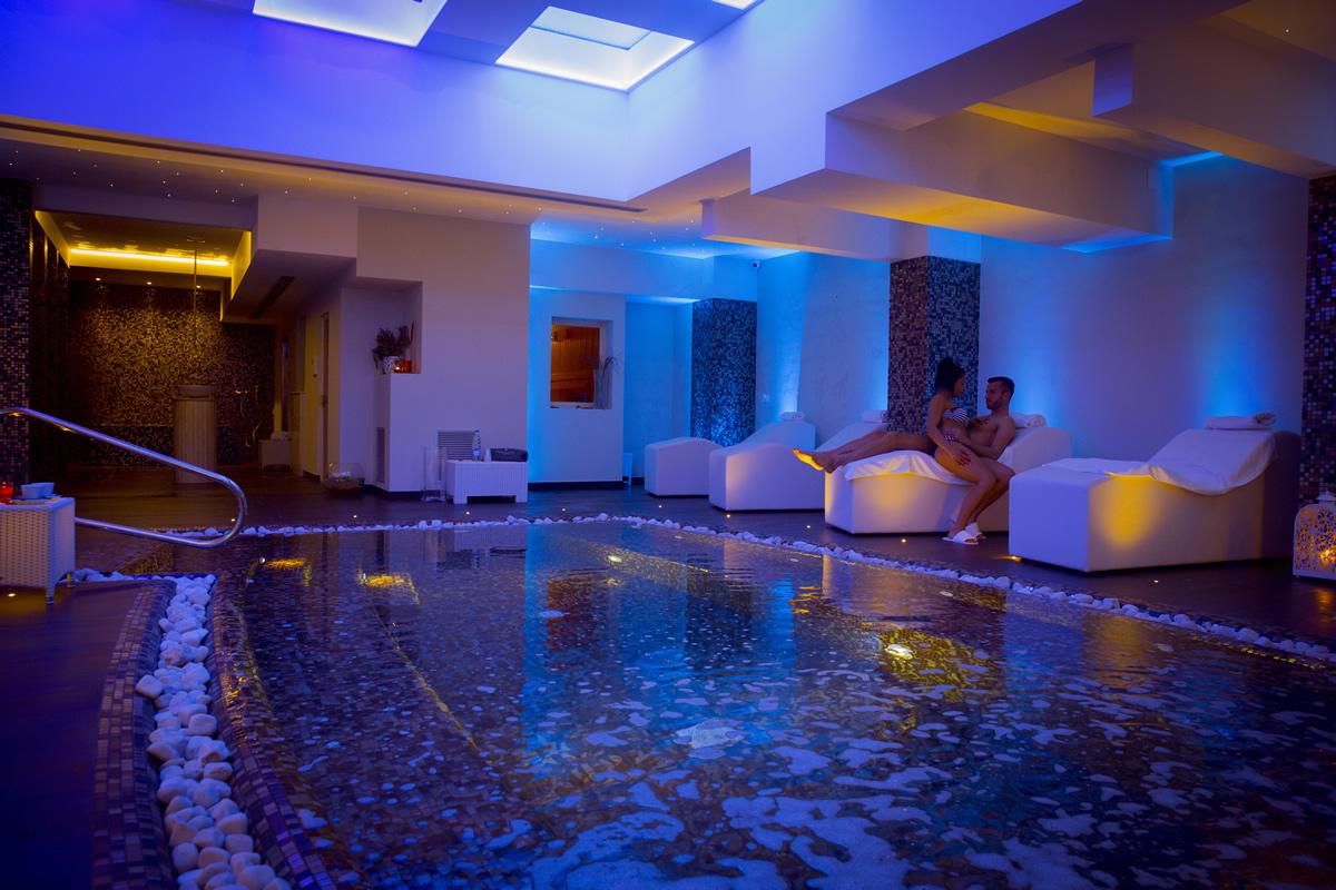 La spa centro benessere dell 39 hotel degli ulivi a matera - Hotel in montagna con piscina ...